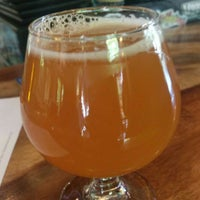Photo taken at The Hop Grenade Taproom & Bottleshop by Churma on 4/15/2017