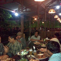 Photo taken at Warung Ikan Segar Bu Untung by Sugiharto S. on 7/17/2013