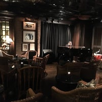Foto tomada en The Bamboo Bar por Min K. el 7/23/2017