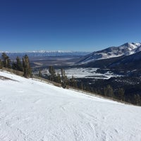 Photo taken at Chair 25: Mammoth Mountain by Cynthia H. on 1/1/2016