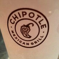 Foto tomada en Chipotle Mexican Grill por Magui C. el 11/12/2012