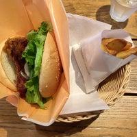 Photo taken at Freshness Burger by 9at0nek on 10/16/2016