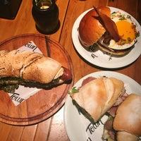 Foto tirada no(a) Town Sandwich Co. por Tany M. em 1/9/2018