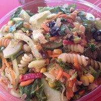 Foto tirada no(a) Mix Salads por Erik Z. em 10/30/2013