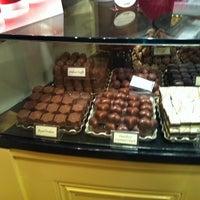 Снимок сделан в Butlers Chocolate Café пользователем Roberto R. 12/4/2013