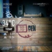 Photo taken at Nâu Đen Café by Phạm Viết Quân (. on 3/18/2013