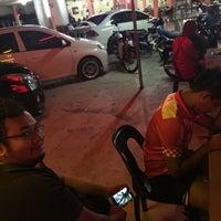 Photo taken at RESTORAN Sri WANIES ALA KAMPUNG by Wan Muhammad E. on 5/31/2016