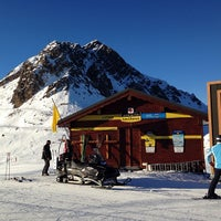 Photo taken at Piste du Chenus (2243m) by Arte V. on 12/16/2013