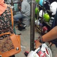 Photo taken at Pasar Helm Kota Baru by Pipit F. on 2/17/2014