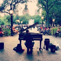 Foto scattata a Washington Square Park da Josh P. il 6/30/2013