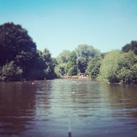 7/6/2013 tarihinde Nick B.ziyaretçi tarafından Hampstead Heath Ponds'de çekilen fotoğraf