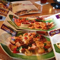 Photo taken at Applebee's Neighborhood Grill & Bar by Viecha R. on 2/24/2013