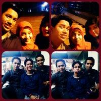 Photo taken at Bus DAMRI Bandara Soekarno-Hatta - Stasiun Gambir by firmans c. on 2/6/2014