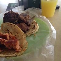 Photo taken at Tacos La Güera by Eduardo P. on 9/20/2013