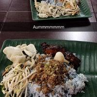 Photo taken at Restoran Nasi Kerabu Golok by Alia Syafiqa R. on 5/4/2016