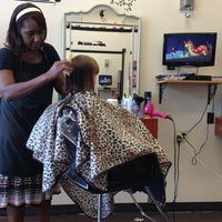 Photo taken at Ms. Lisa's Cuts For Kids by Jon G. on 5/28/2013