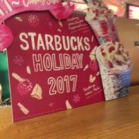 Photo taken at Starbucks by まさ・なち on 11/6/2017