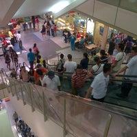 Foto tomada en SM City San Lazaro por Dark D. el 9/9/2012