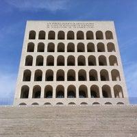 Foto scattata a Palazzo della Civiltà e del Lavoro da Jan D. il 9/24/2011