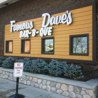 Photo taken at Famous Dave's Bar-B-Que by Rich T. on 12/11/2011