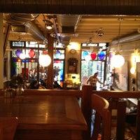 1/22/2013 tarihinde Nese A.ziyaretçi tarafından Ara Kafe'de çekilen fotoğraf