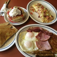 Photo taken at IHOP by Jacopo D. on 8/24/2014