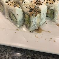 Foto tomada en Sushi Roll por Renata B. el 3/24/2018