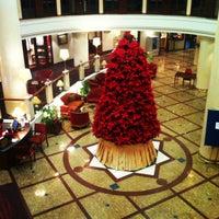 Снимок сделан в Marriott Royal Aurora пользователем Gulnara N. 12/18/2012