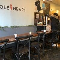 รูปภาพถ่ายที่ Whole Heart Provisions โดย Kristen G. เมื่อ 12/15/2017