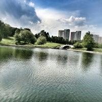 6/8/2013 tarihinde Irina S.ziyaretçi tarafından Парк Олимпийской деревни'de çekilen fotoğraf