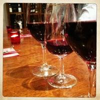 Photo prise au Vingt Heures Vin La Suite par Charlotte D. le2/20/2013