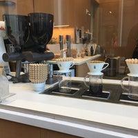 10/4/2018 tarihinde Rosie Maeziyaretçi tarafından Blue Bottle Coffee'de çekilen fotoğraf