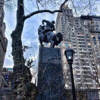 12/11/2012 tarihinde Jeff M.ziyaretçi tarafından Simon Bolivar Statue'de çekilen fotoğraf