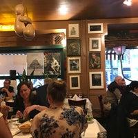 Das Foto wurde bei Paris Bar von Alexander V. am 6/22/2017 aufgenommen