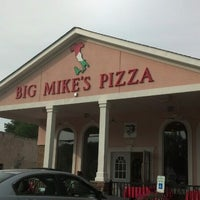 Photo taken at Big Mikes Pizza And Pasta by Dana P. on 8/17/2013