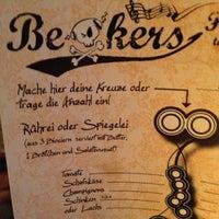 Das Foto wurde bei Beakers von Dominik S. am 11/3/2012 aufgenommen