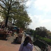 Das Foto wurde bei Flohmarkt Am Hohen Ufer von Michael H. am 5/4/2013 aufgenommen