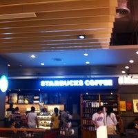 Photo taken at Starbucks by Sriwisa C. on 1/24/2013