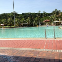Photo prise au Yio Chu Kang Swimming Complex par Meigya V. le6/7/2013
