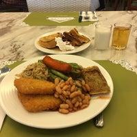 Photo taken at Warisan Cafe Royale Chulan by Imaduddin A. on 8/17/2017