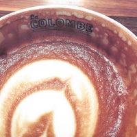 Photo prise au La Colombe Coffee Roasters par Leandro L. le6/13/2016