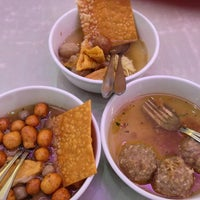 Photo taken at Bakso Malang Karapitan (BMK) by Daniel H. on 1/17/2013