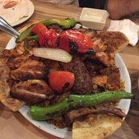 Снимок сделан в Hala Restaurant пользователем María T. 8/22/2017