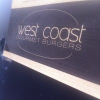 Photo prise au West Coast Burgers par julien e. le4/17/2013