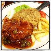 Photo taken at Restoran Talip by Shamsol Bahari H. on 11/19/2012