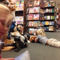 Photo taken at Barnes & Noble by Gary H. on 11/22/2014
