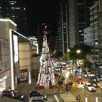 Foto tomada en Alto Palermo Shopping por Eduardo S. el 12/19/2012
