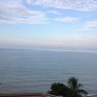 Photo taken at Moonlight Bay Resort Koh Lanta by Gookgik W. on 4/7/2014