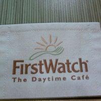 Das Foto wurde bei First Watch von Dion H. am 10/28/2011 aufgenommen