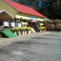 Photo taken at Veggie Patch by Nancy T. on 10/17/2012